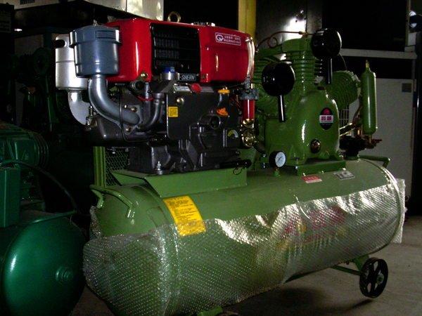 5HP高壓 18kg 空壓機附120 引擎電動起動器(全新)祡油鐵牛頭