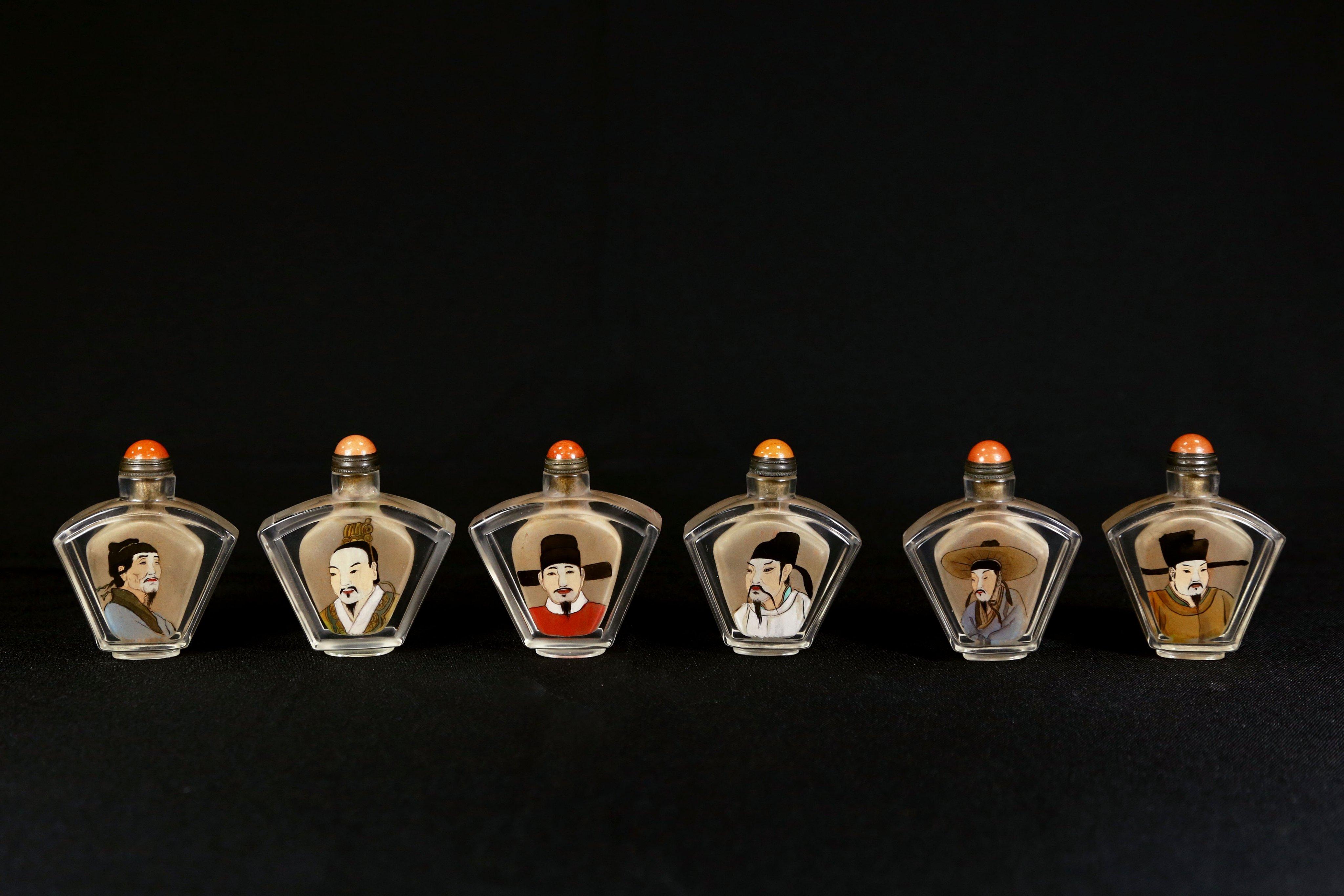 《博古珍藏》款葉仲三作.玻璃料胎仿水晶內繪畫文人鼻煙壺6個.附錦盒.早期收藏.感恩特賣會.超值回饋