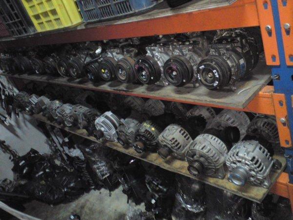 BMW e34 e36 e38 e39 e46 e53 e60 e65 e90各式壓縮機 發電機  動力方向盤棒浦出售