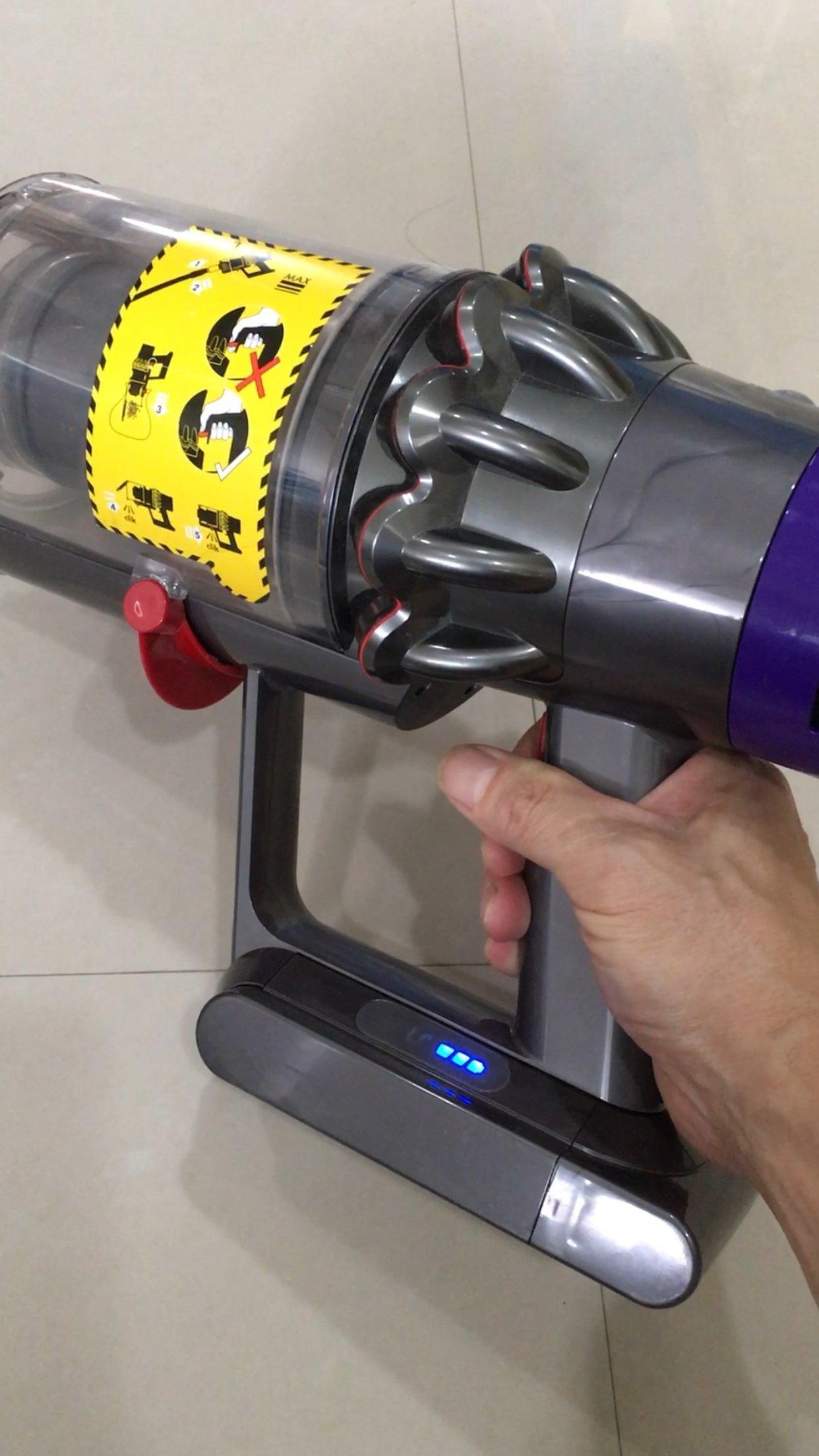 Dyson 戴森吸塵器原廠零件維修,主機吸頭馬達,電池 V6 V7 V8 V11 V12 紅色電源按鍵卡榫