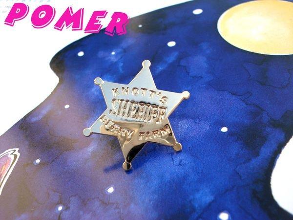 ☆POMER☆ 美國加州樂園 KNOTT S BERRY FARM SHERIFF 金色星星造型紀念金屬別針胸針徽章