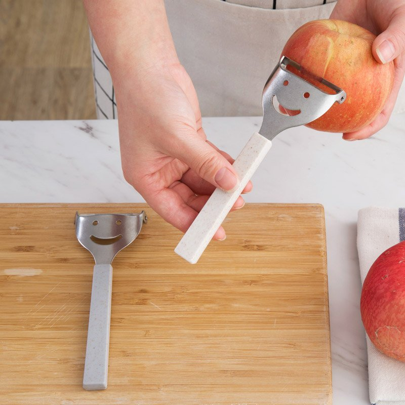 廚房寶居家家 不銹鋼土豆削皮器水果削皮刀 家用廚房多 削蘋果刮皮刀