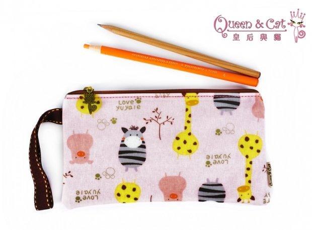 白鳥奈子 舖 單拉鍊筆袋 筆袋 萬用收納袋 多 收納防水布包  Queen  Cat 粉Q動物 滿千免運