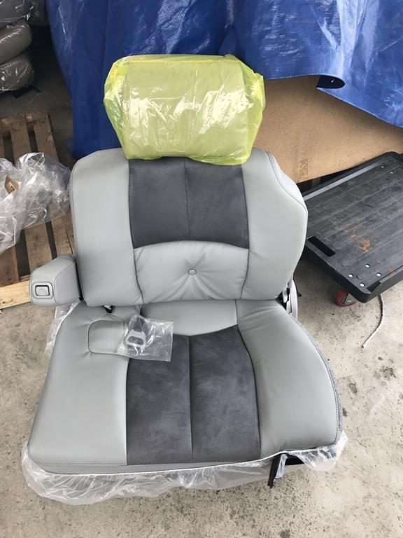 @中華三菱@MITSUBISHI~SPACE GEAR~史貝斯基~全新原廠座椅~第三排座椅~灰色皮椅+絨布