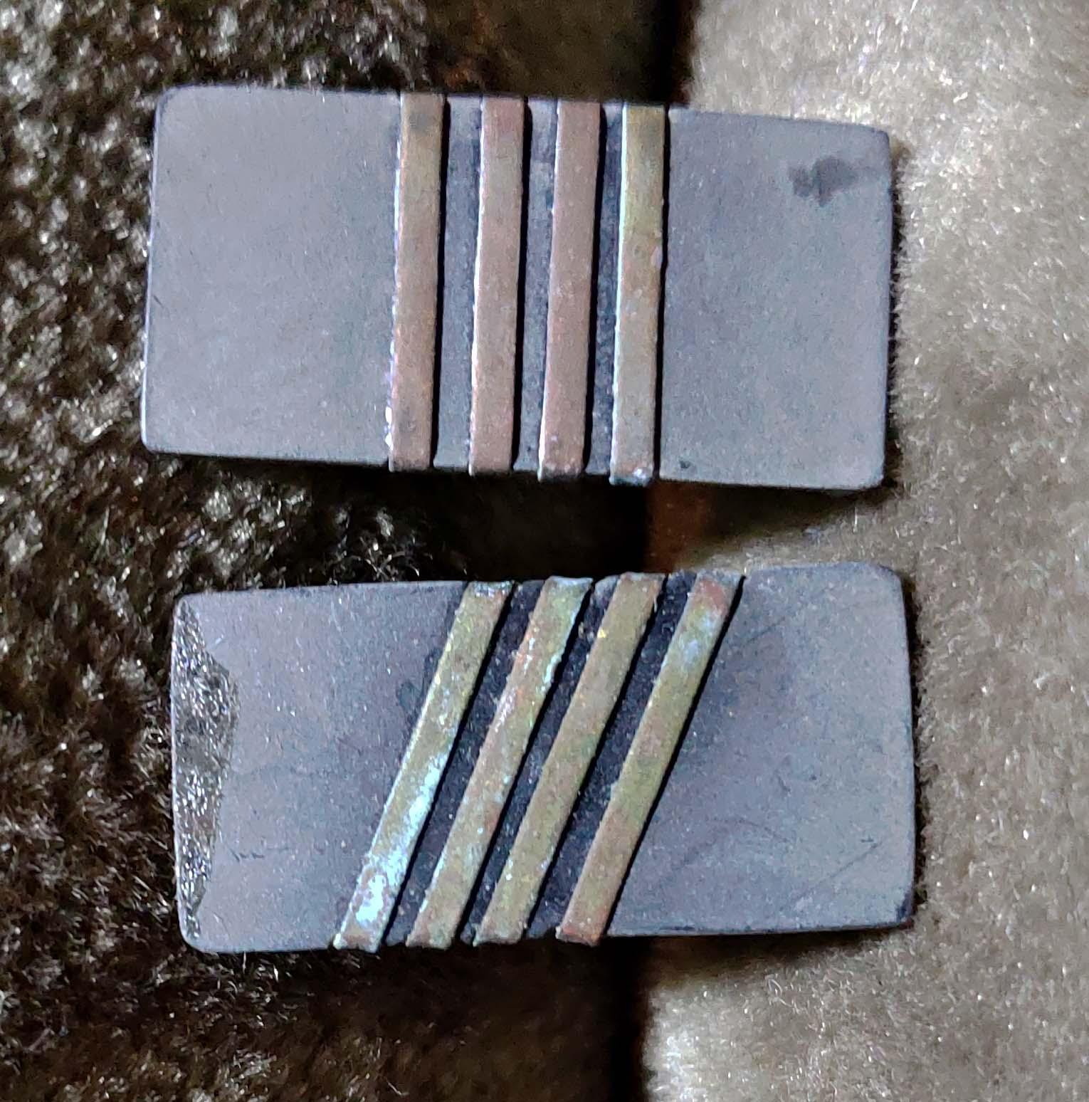 早期:海軍電木製軍階章對