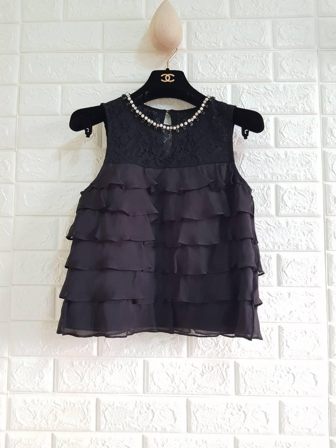 日本貴婦品牌Diagram 36號黑色荷葉絲綢背心