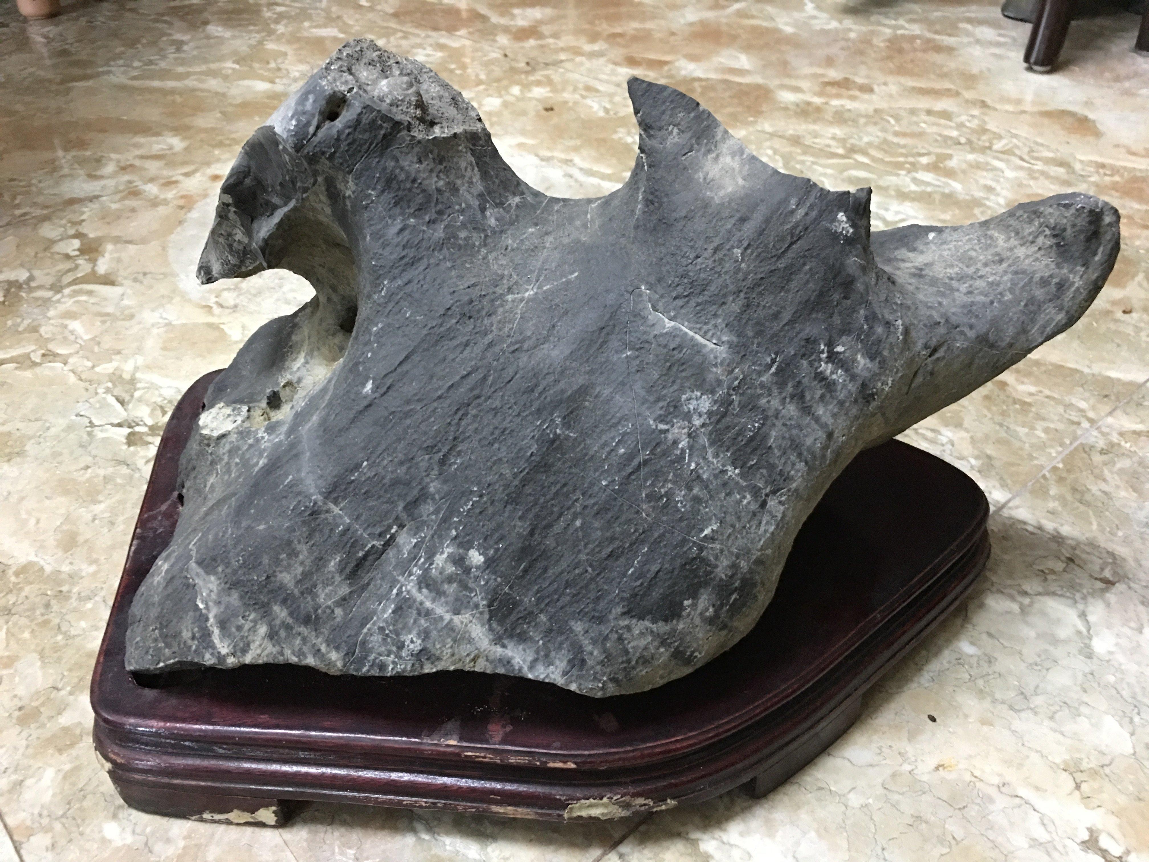 早期收藏天然礦石自然風化雅石-靈壁岩(一)