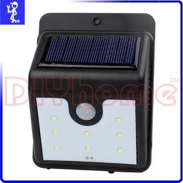 [DIYhome] 太陽能充電戶外照明燈 8LED 自動感應燈 庭院燈景觀燈防盜燈壁燈 免電池免拉線 Y503948