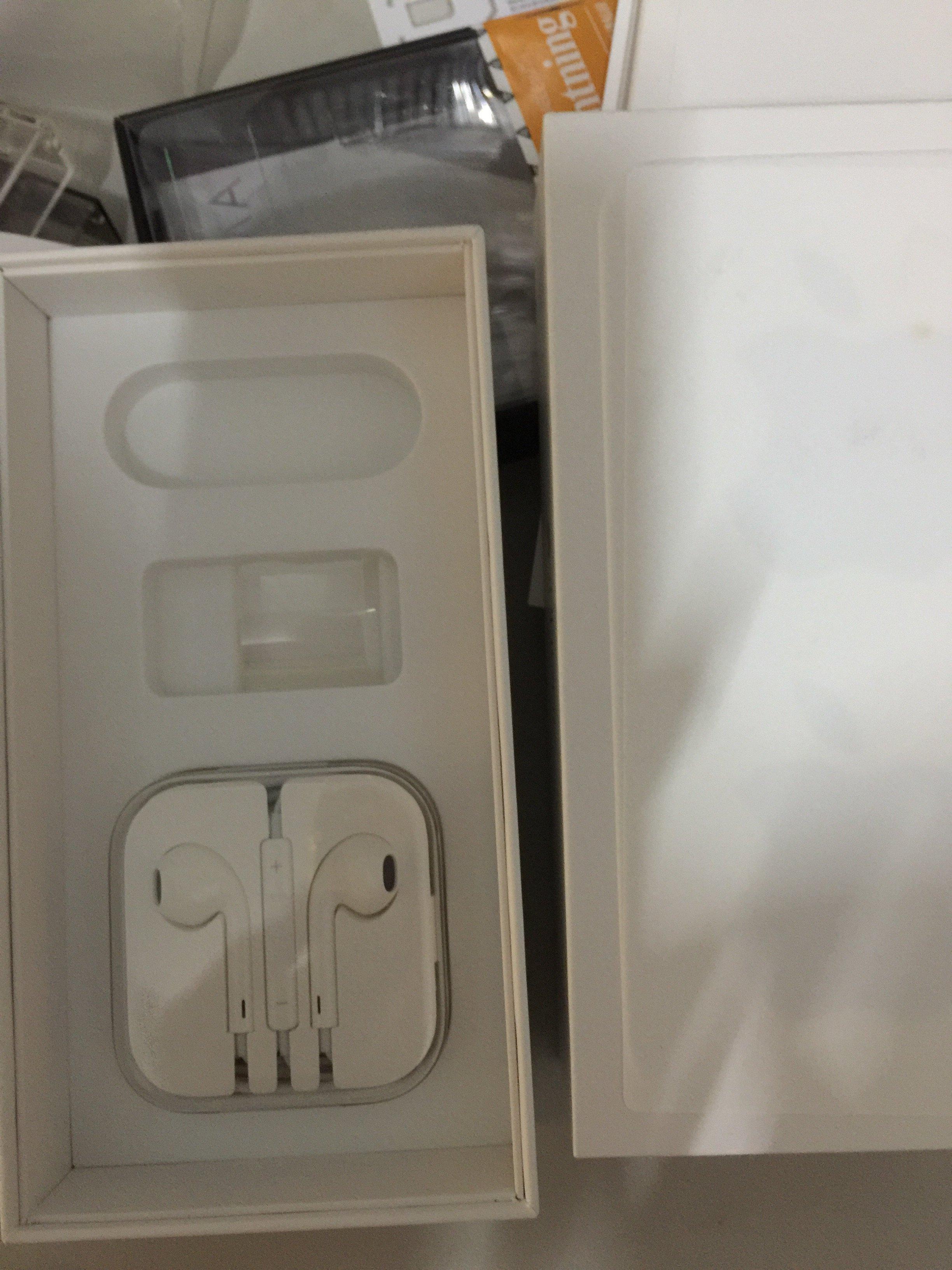 SONY CD隨身聽,CD播放器+耳機,播放器~SONY CD隨身聽/碟=320GB二手隨身 另有東芝⋯