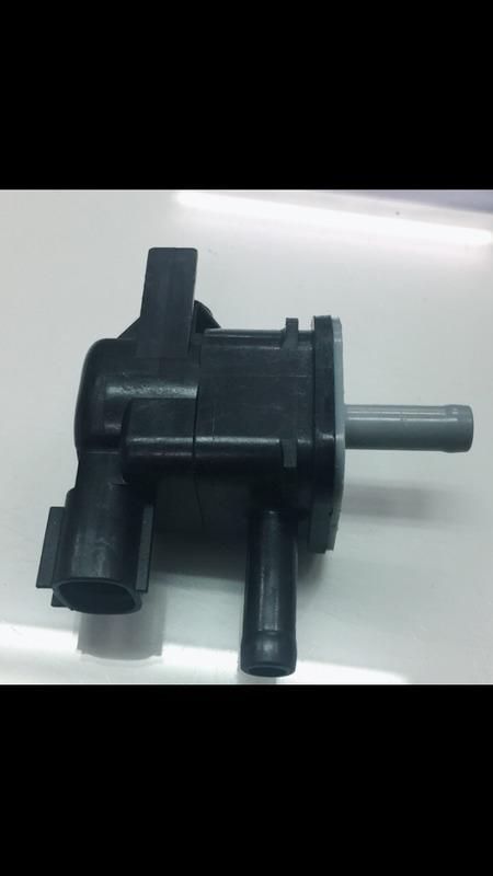日本 TOYOTA ALTIS 08 活性碳罐 電磁閥 控制閥 其它CAMRY,YARIS 歡迎詢問