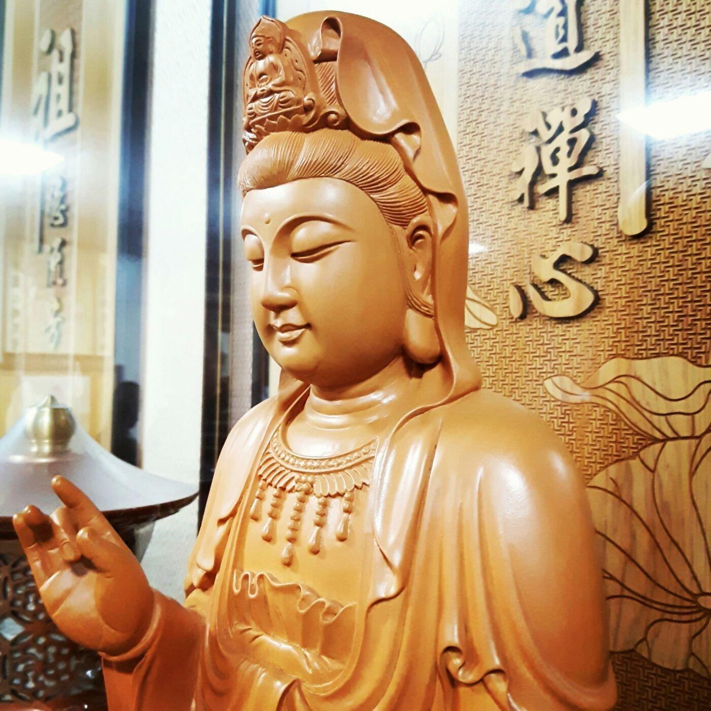 1尺3儈木檜木蓮座觀世音佛像 尺三盤腿觀音菩薩原木雕刻神像 【歡喜地佛教文物】