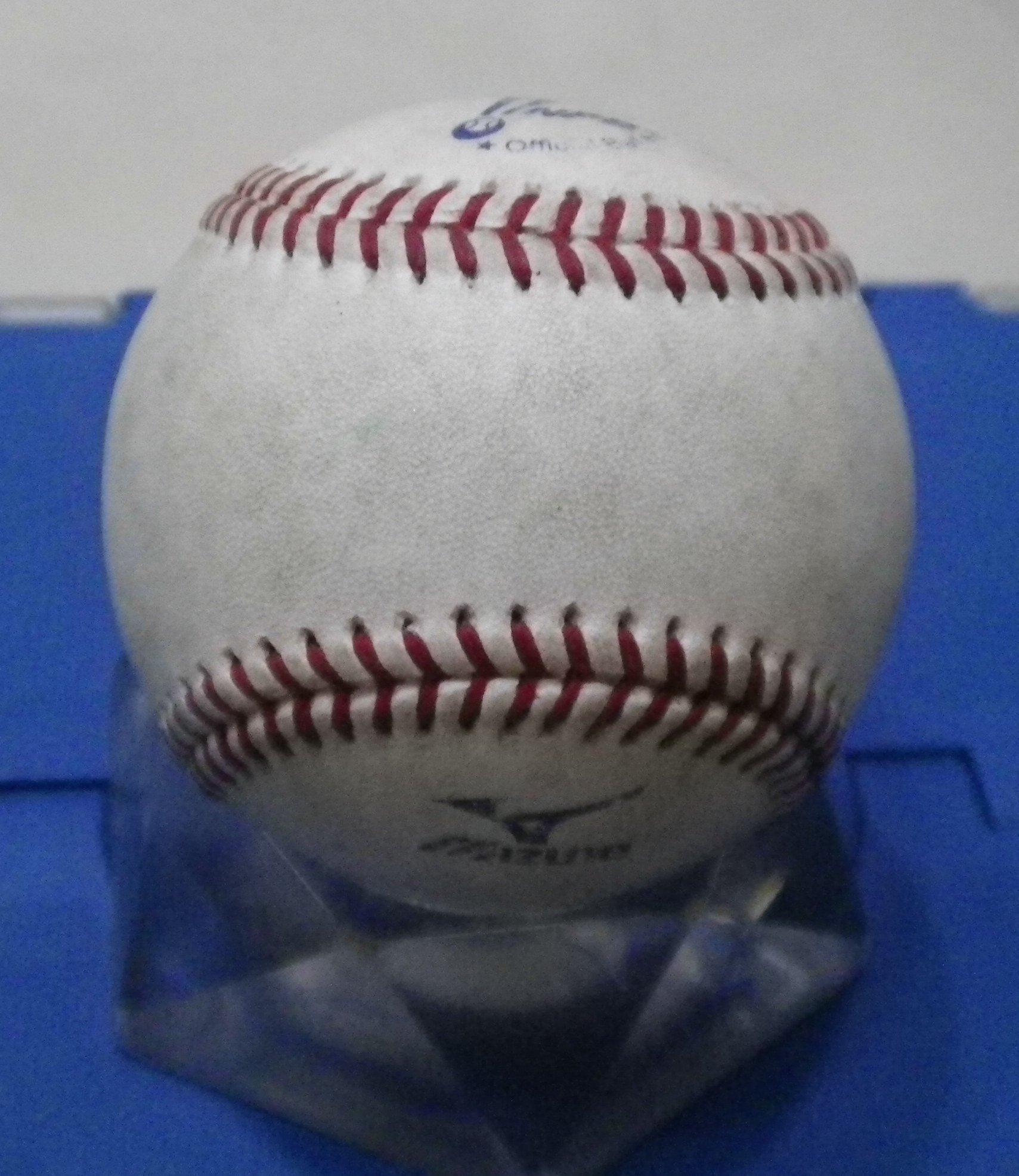 棒球天地---日本職棒實戰球.品項佳..只有1顆