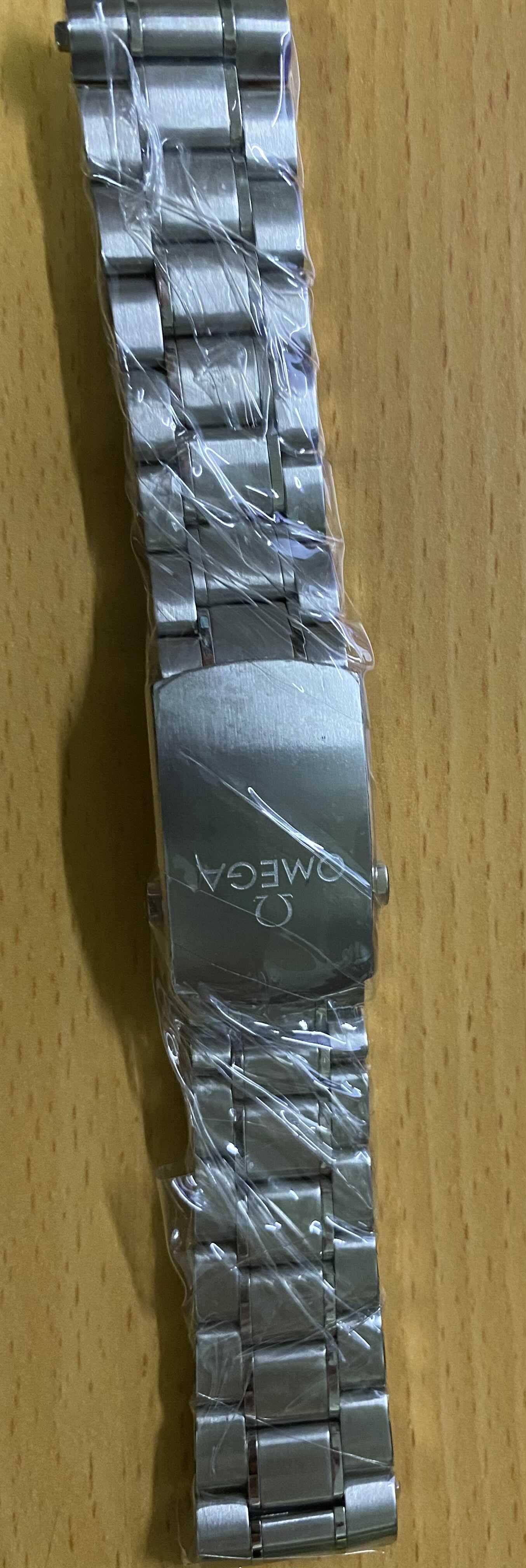 Omega 21mm登月鋼帶