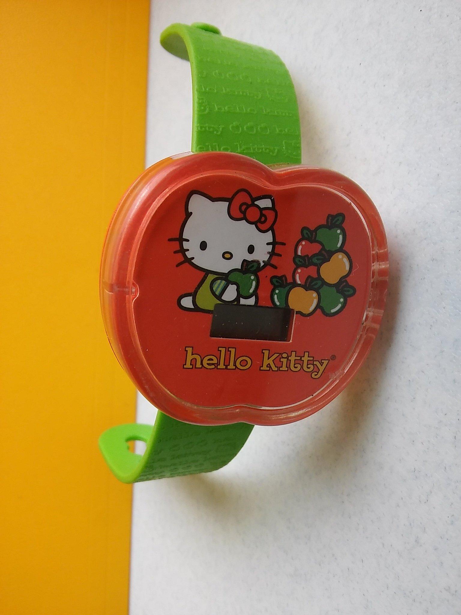 **M8-16** Hello Kitty 塑膠手錶/表面有使用痕跡,沒附電池,不知好壞是否可動/能接受物況再下標