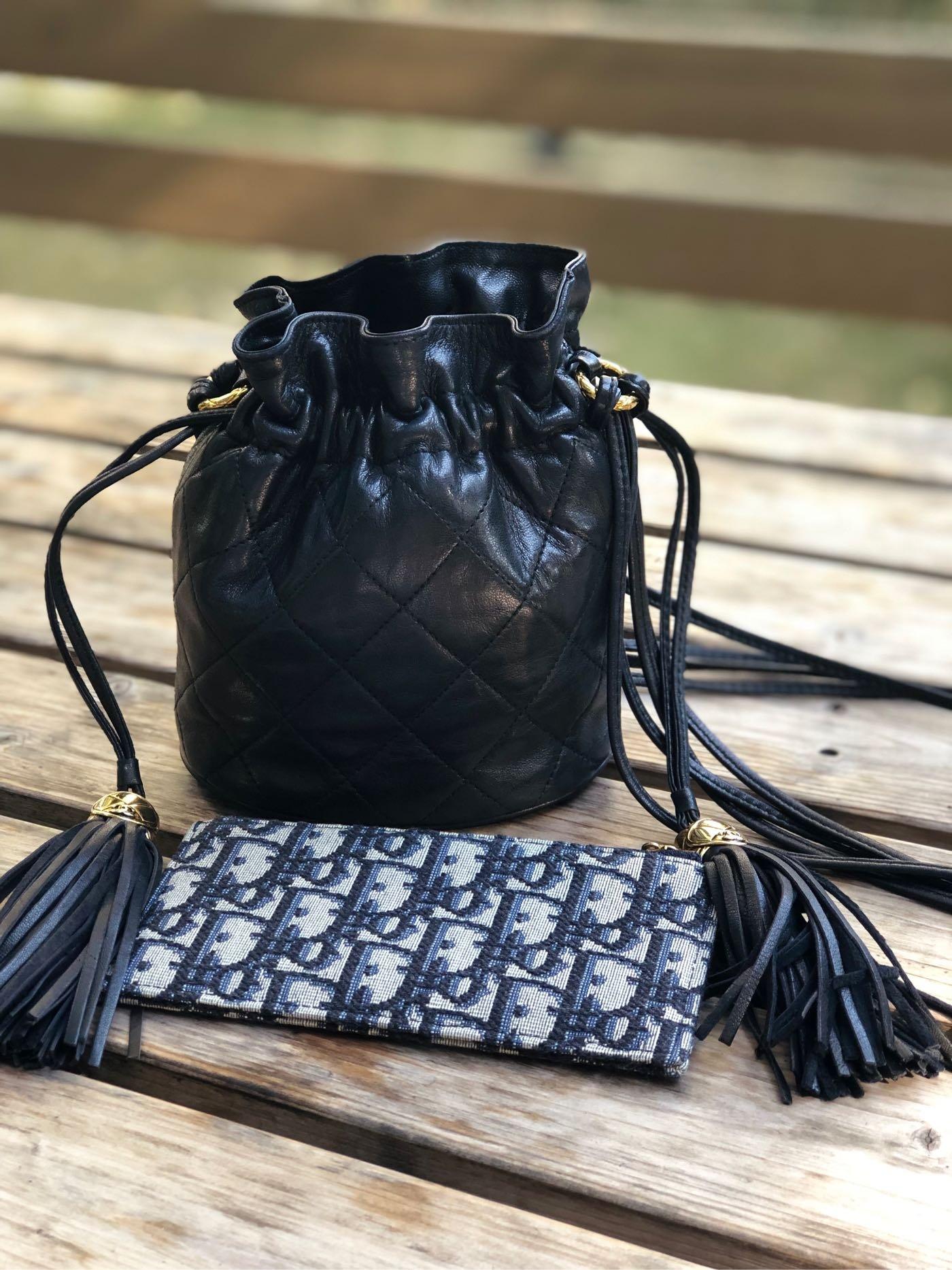 Chanel vintage 老香 水桶包 小羊皮 金球流蘇包   黑色