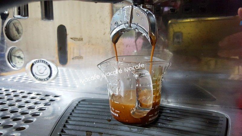 附發票-愛鴨咖啡-GK-059 義式濃縮咖啡承接玻璃量杯 刻度量杯 70cc 耐熱雙口量杯