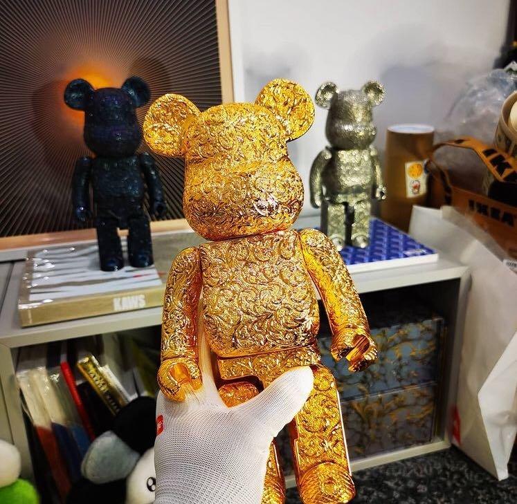 Medicom BE@RBRICK  ROYAL SELANGOR 最新金色雕花聯名款 錫合金製 庫柏力克熊 400%