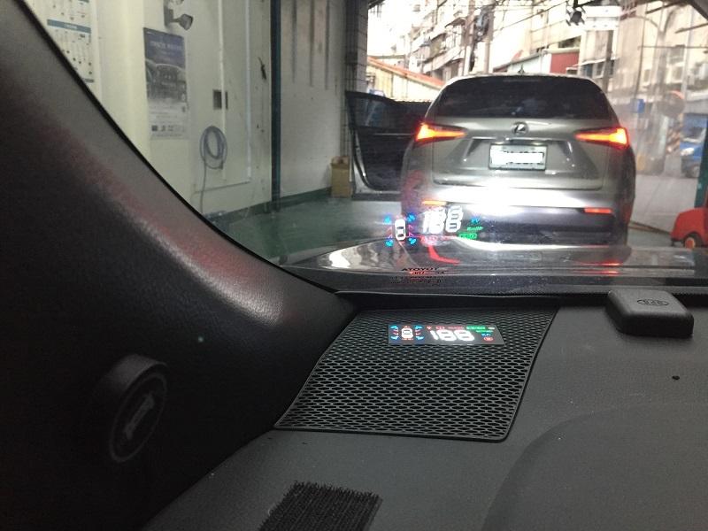 (柚子車舖) 豐田 COROLLA CROSS 崁入式 OBD 多功能抬頭顯示器 -HUD 正廠車美仕套件 喇叭蓋交換