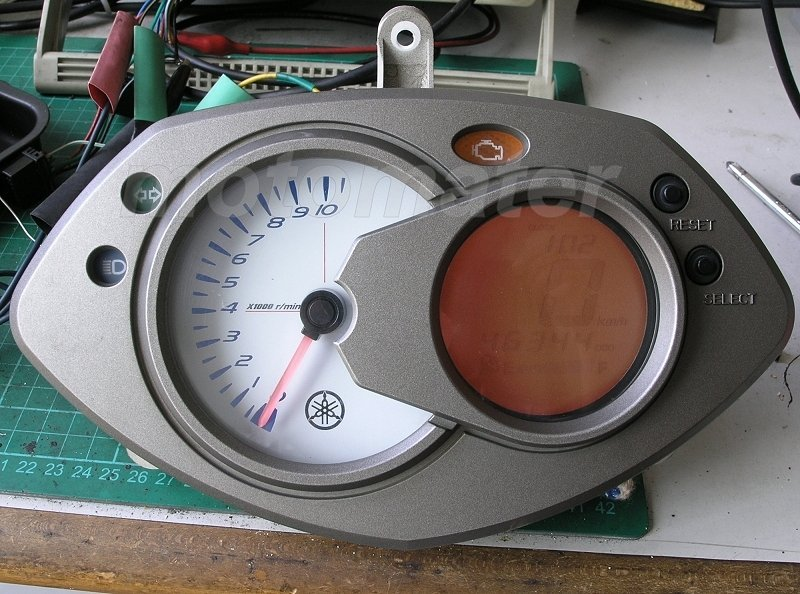 二代勁戰 液晶螢幕淡化維修(大明 機車液晶儀表板專業維修廠)