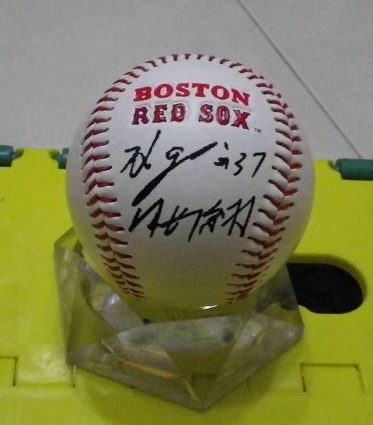棒球天地--5折賠錢出---岡島秀樹簽名紅襪紀念球.字跡漂亮