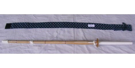 濟武:有背帶菖蒲染單入刀袋(藍色) +單把38(或37)號A級仕組竹劍(有附刀鍔)-2組以上免運費