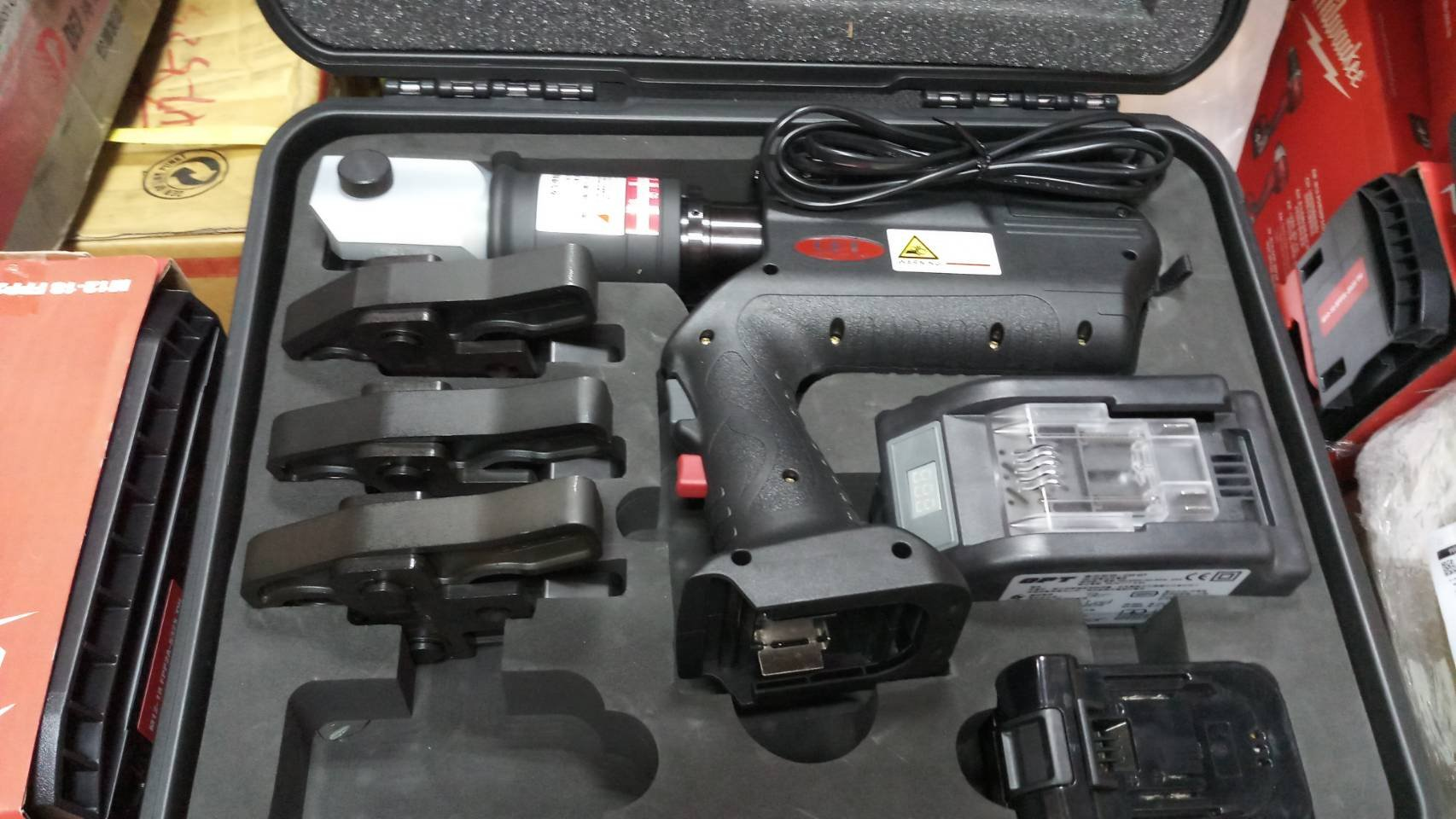 【優質五金-私訊有優惠】OPT EWSB-1 充電式油壓(18V鋰電池)水管壓接機含模具   非REMS