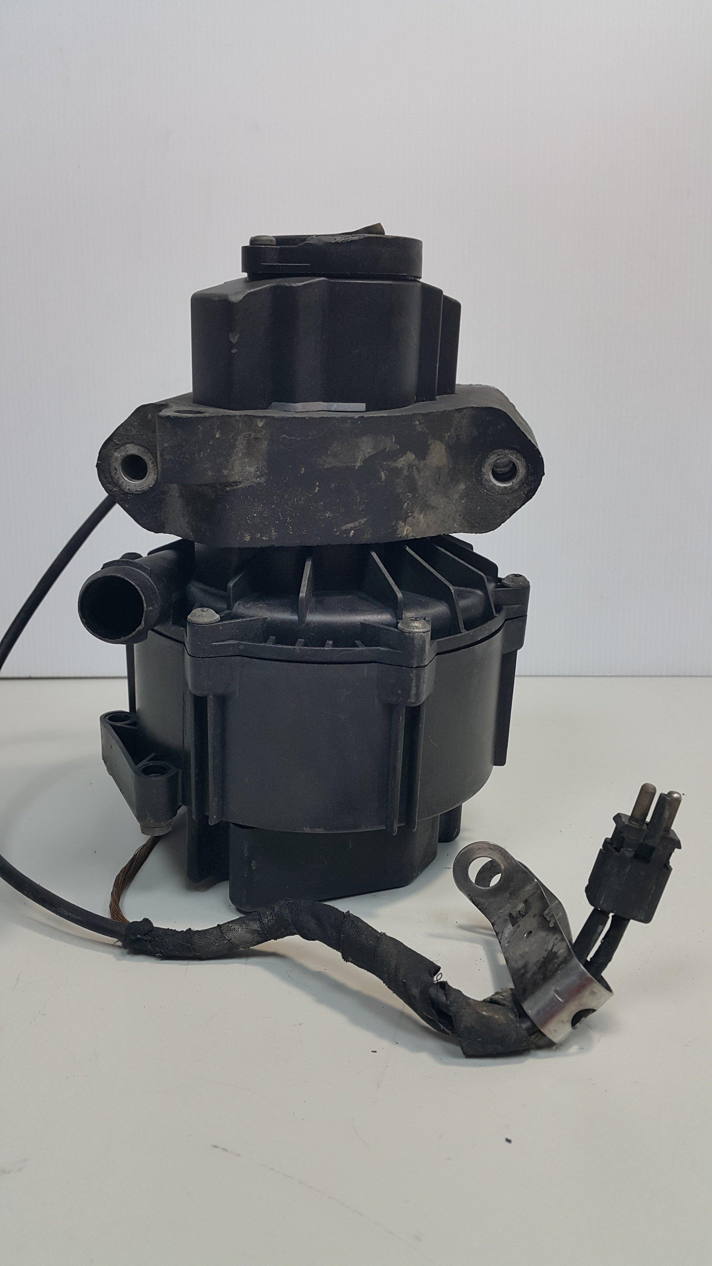 W202 M104 M111 93-95 空氣 廢氣 真空 泵浦 幫浦 冷車 二次循環 電動式 0001403385