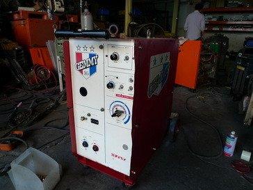 {中古焊接設備維修買賣出租}單相電源CO2機~交直流氬焊機~切割機~電焊機~溶接機~