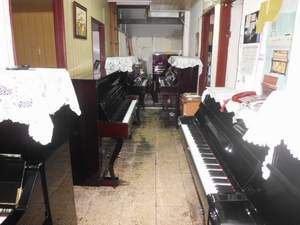 30年的老工廠~二手鋼琴工廠直營9900元起,另有山葉河合原裝台裝鋼琴,永久保固