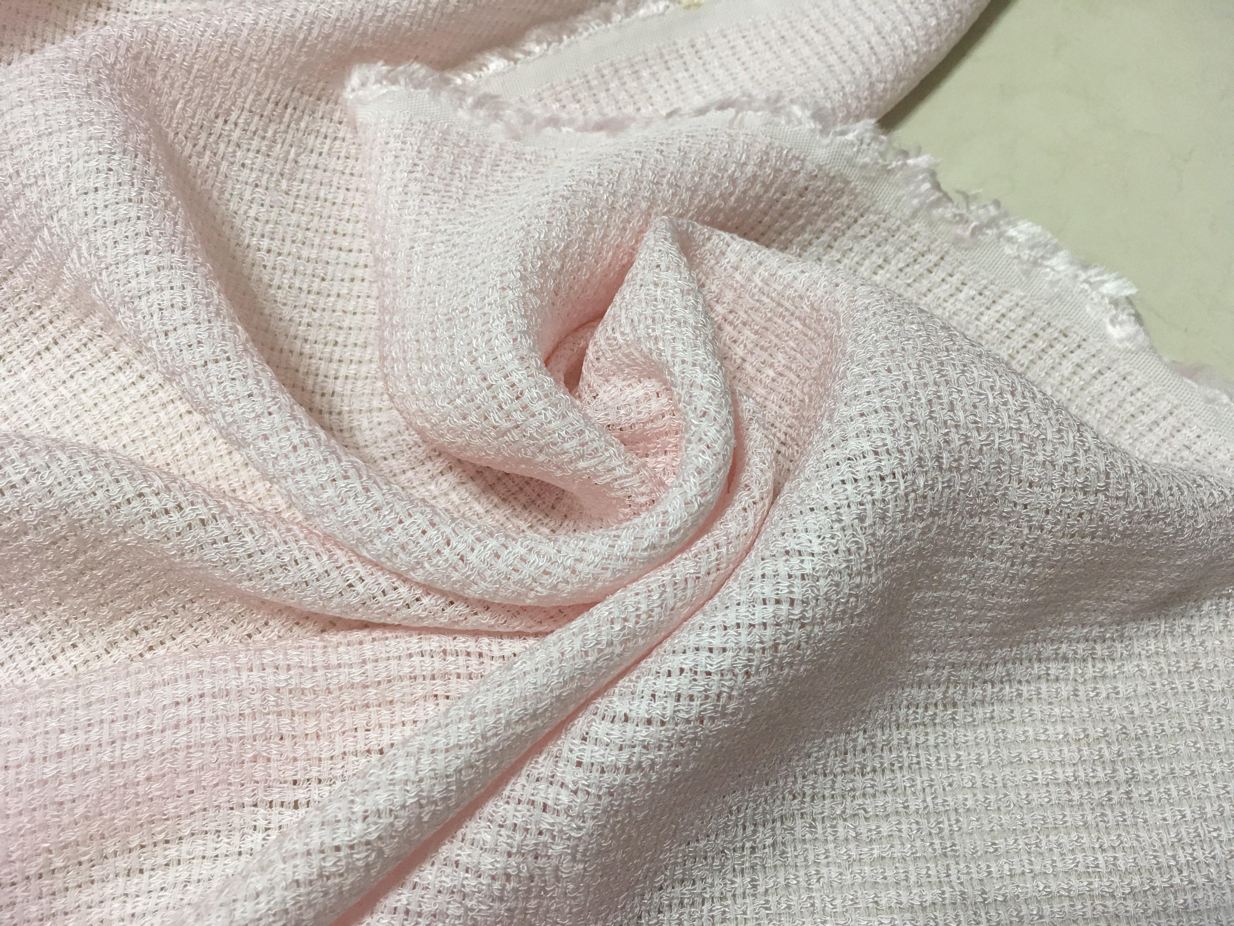 地帶~粉紅色係針織布13尺120元 ~(129*390公分)做休閒服.衣服.罩衫.針織衫~NG~一點髒. 賣~