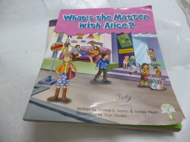 買滿500免運/ 崇倫《What`s the Matter With Alice?》HESS    位置: 本 [箱內/