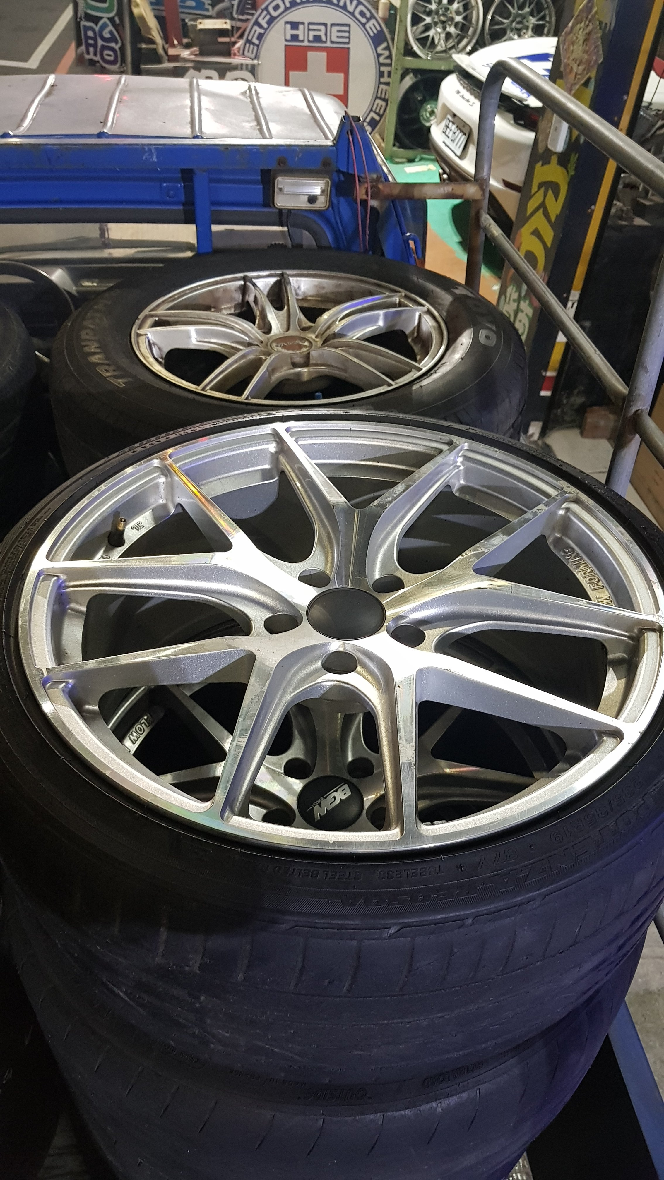 5/114.3 保證正品 Lexus100%炫壓輕量化  19吋鋁圈四顆 +  235/35/19 中古胎四顆