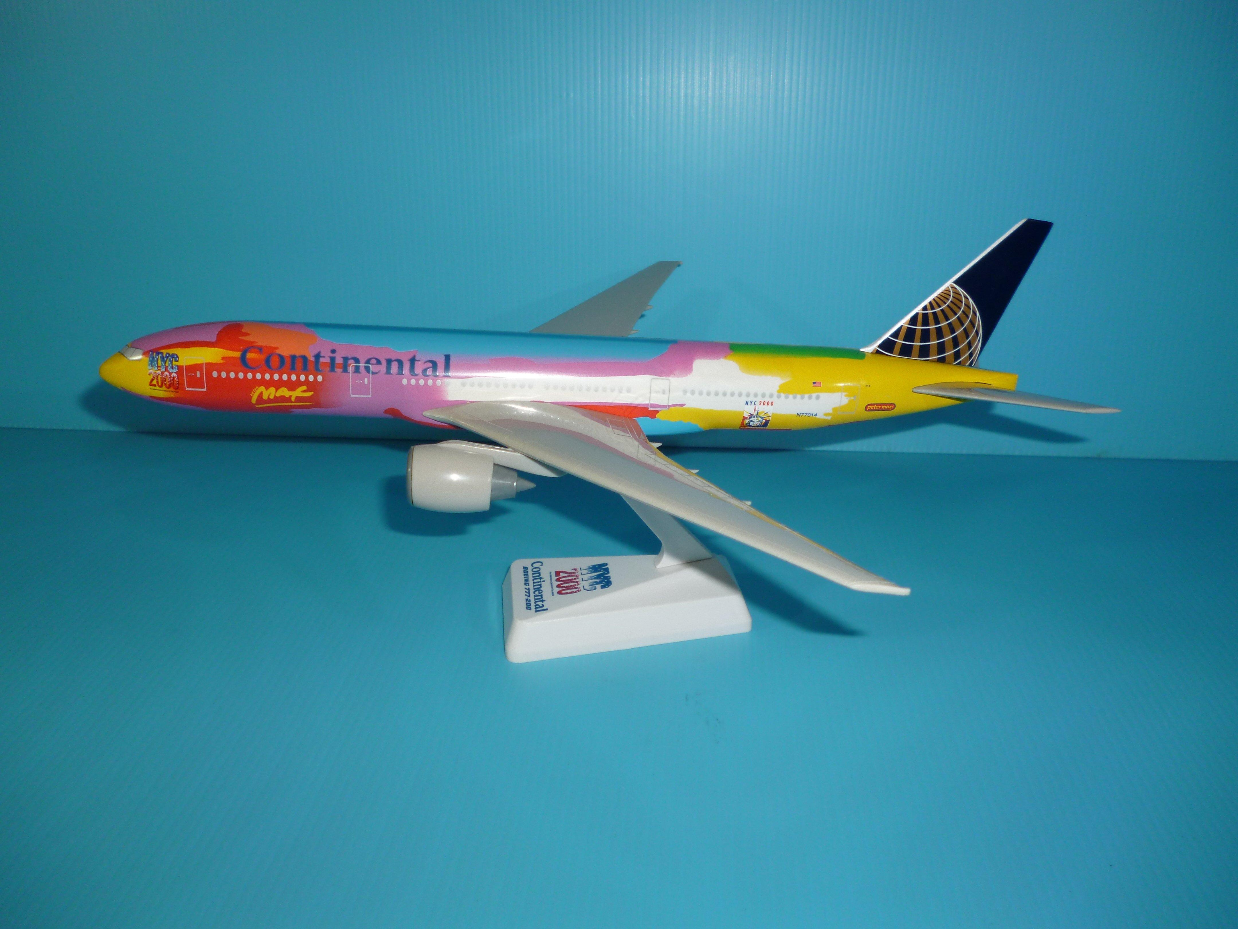 珍上飛模型飛機:B777-200 (1:200) 美國大陸(彩繪機)(編號:B777224)