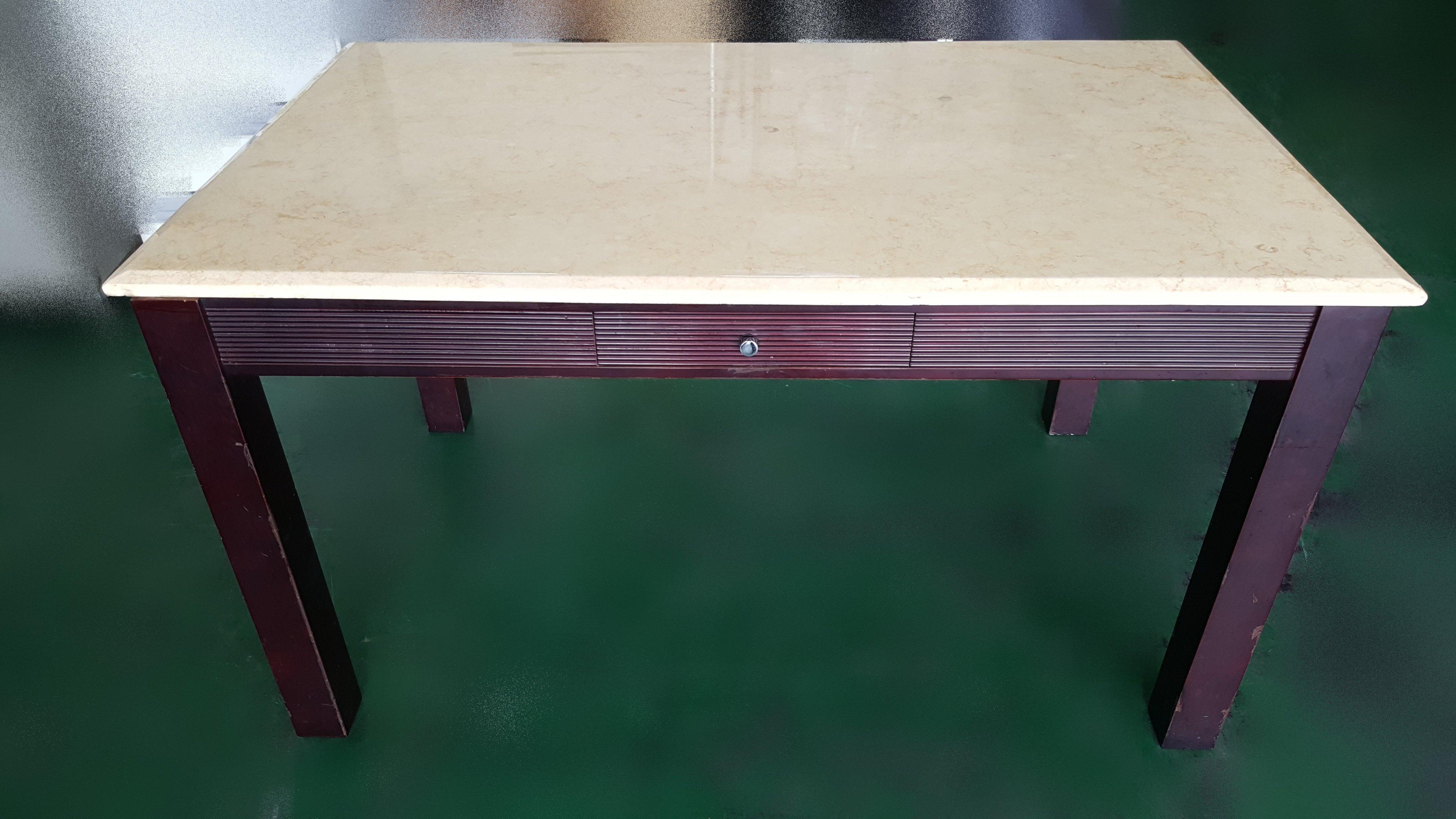 宏品大里二手家具 家電 台中全新中古傢俱買賣 B31402 *大理石餐桌 戶外休閒桌*二手桌椅 辦公桌 電腦桌書桌