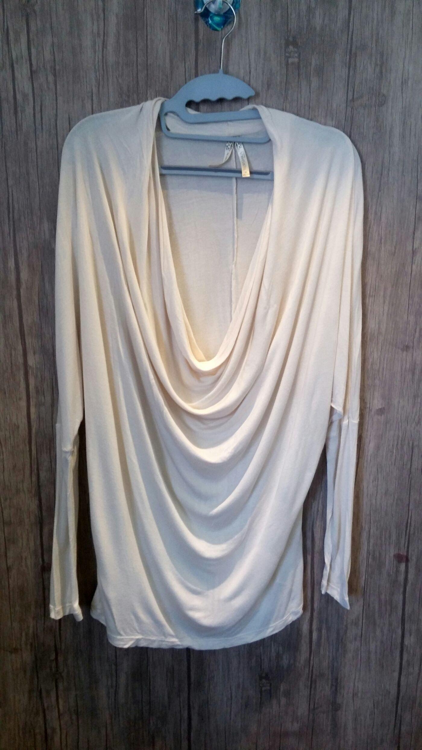 長袖垂領米白色上衣