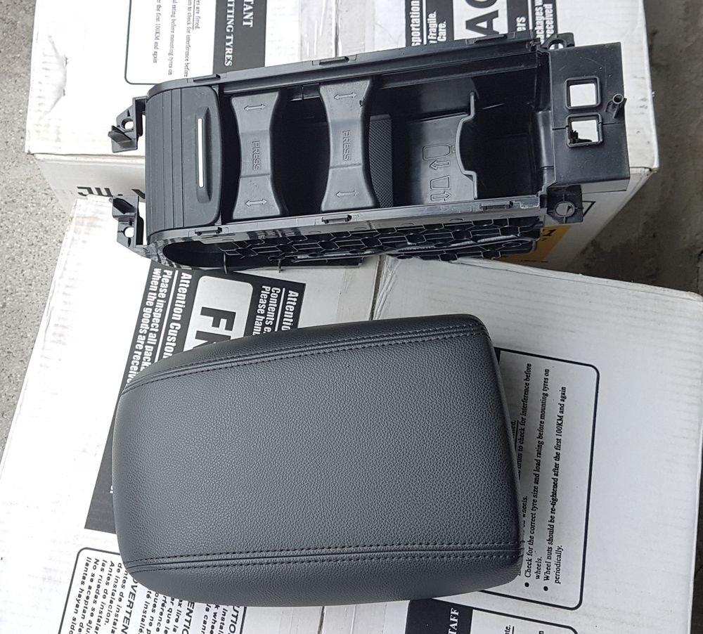 Focus MK3.5 運動版 原廠【深底 飲料盒】【 可伸縮 中央扶手】