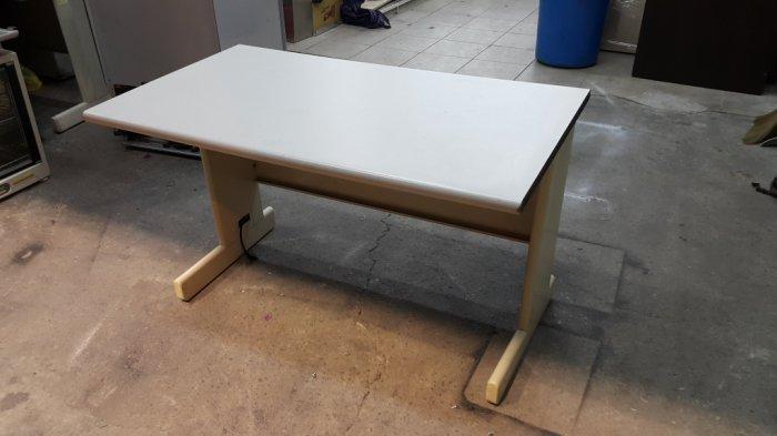 樂居二手家具*CE1125AJJ 白面OA辦公桌*書桌 電腦桌 工作桌 辦公桌 台中二手辦公家具買賣/OA桌椅/會議桌