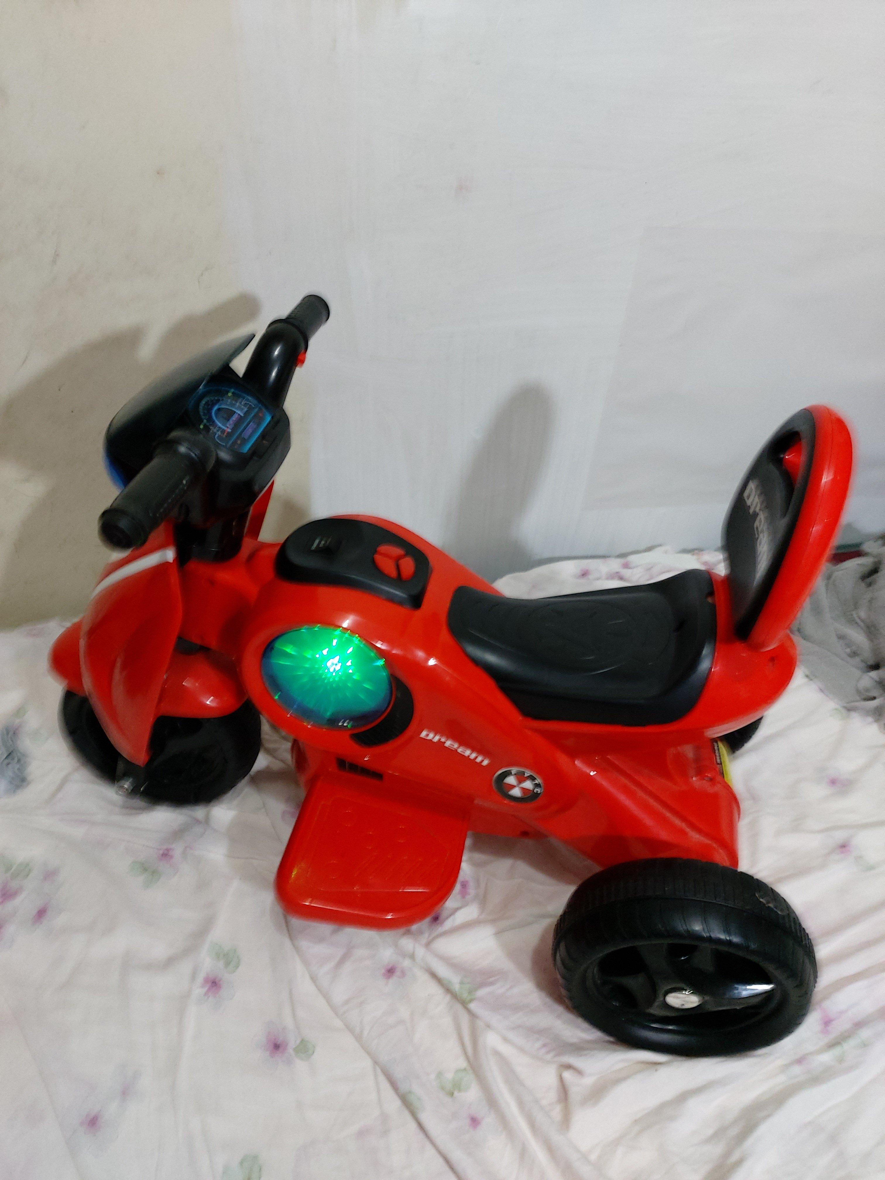 ((拍賣就是要撿便宜))二手商品一兒童三輪電動機車、電動車