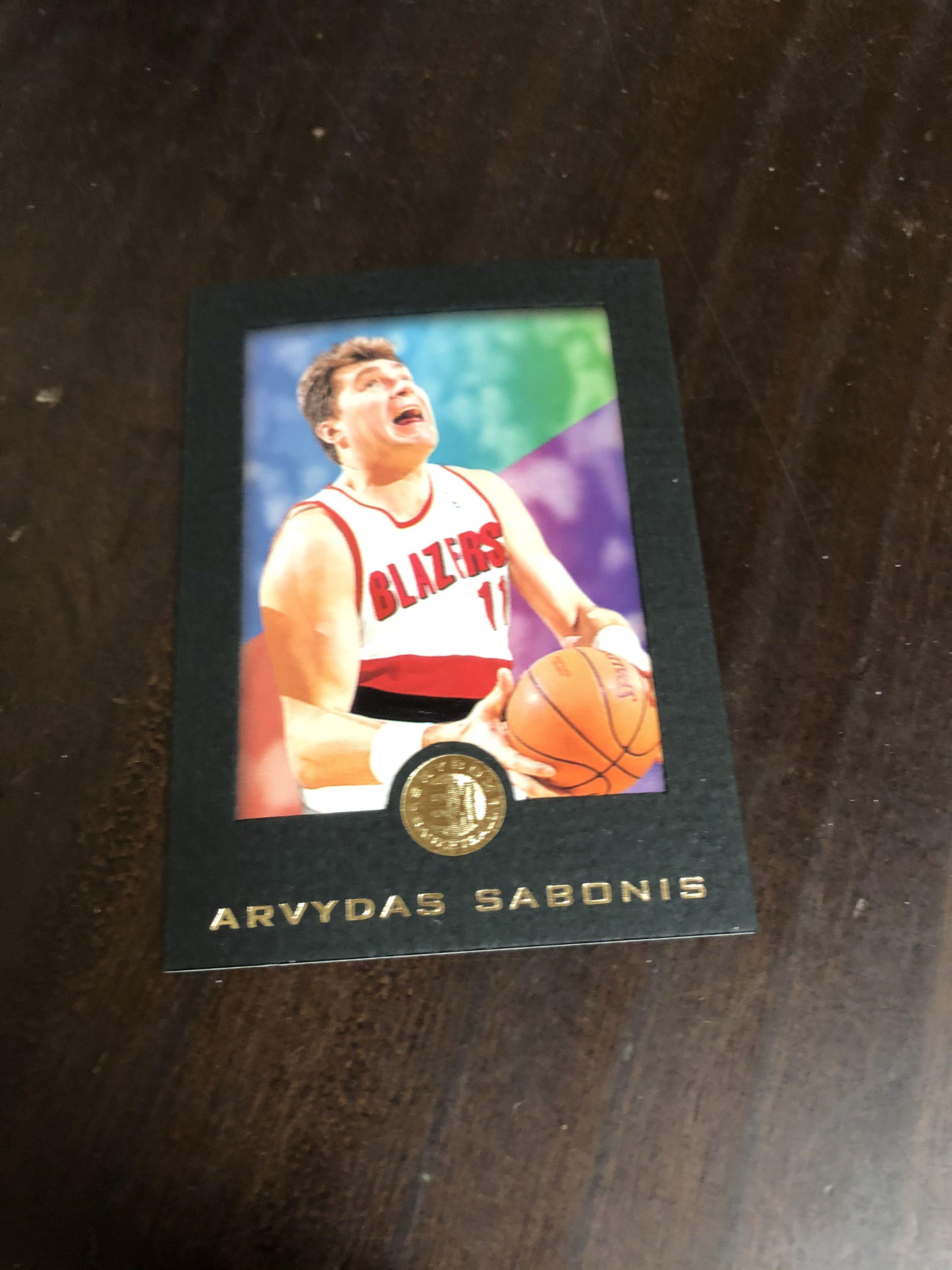 ARVYDAS SABONIS    95-96 SKYBOX EXL RC 黑色版 68 高單價相框卡 前後卡況如圖