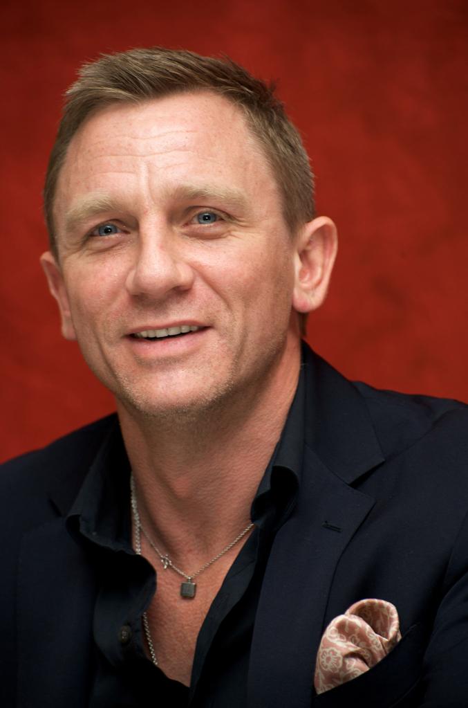 Daniel Craig Gay Scene 45