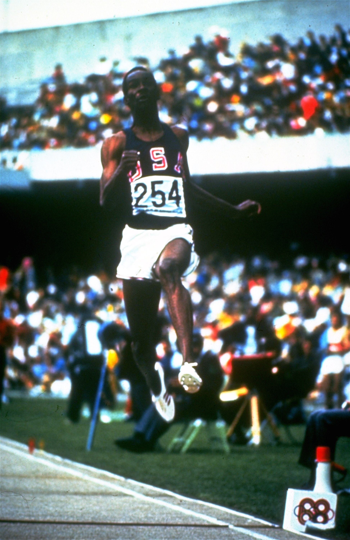 El salto que le valió la medalla de oro a Bob