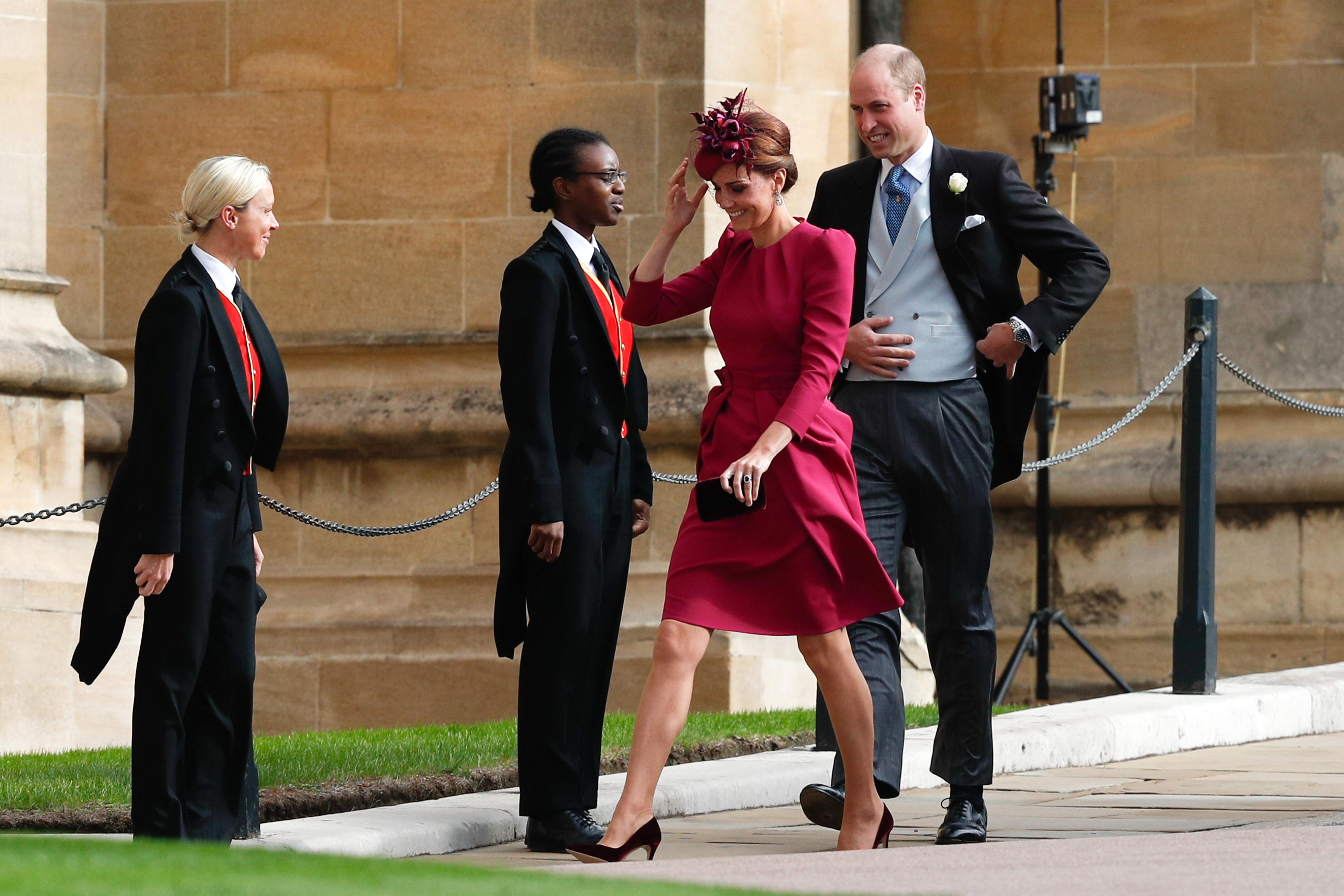 Kate Middleton y el príncipe William llegando a la boda de