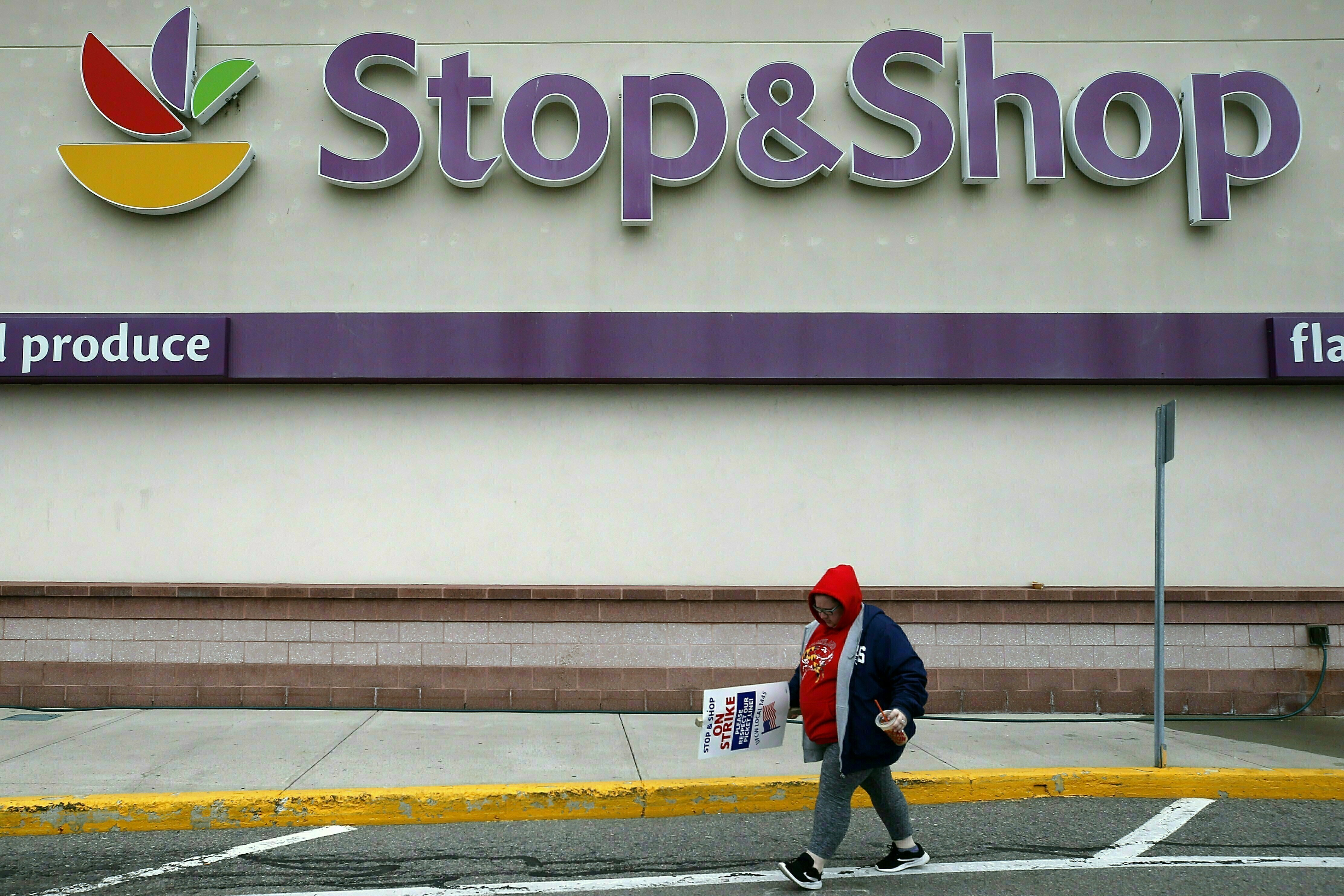 Stop N Shop Hours >> Stop Shop Reaches Tentative Deal With Workers