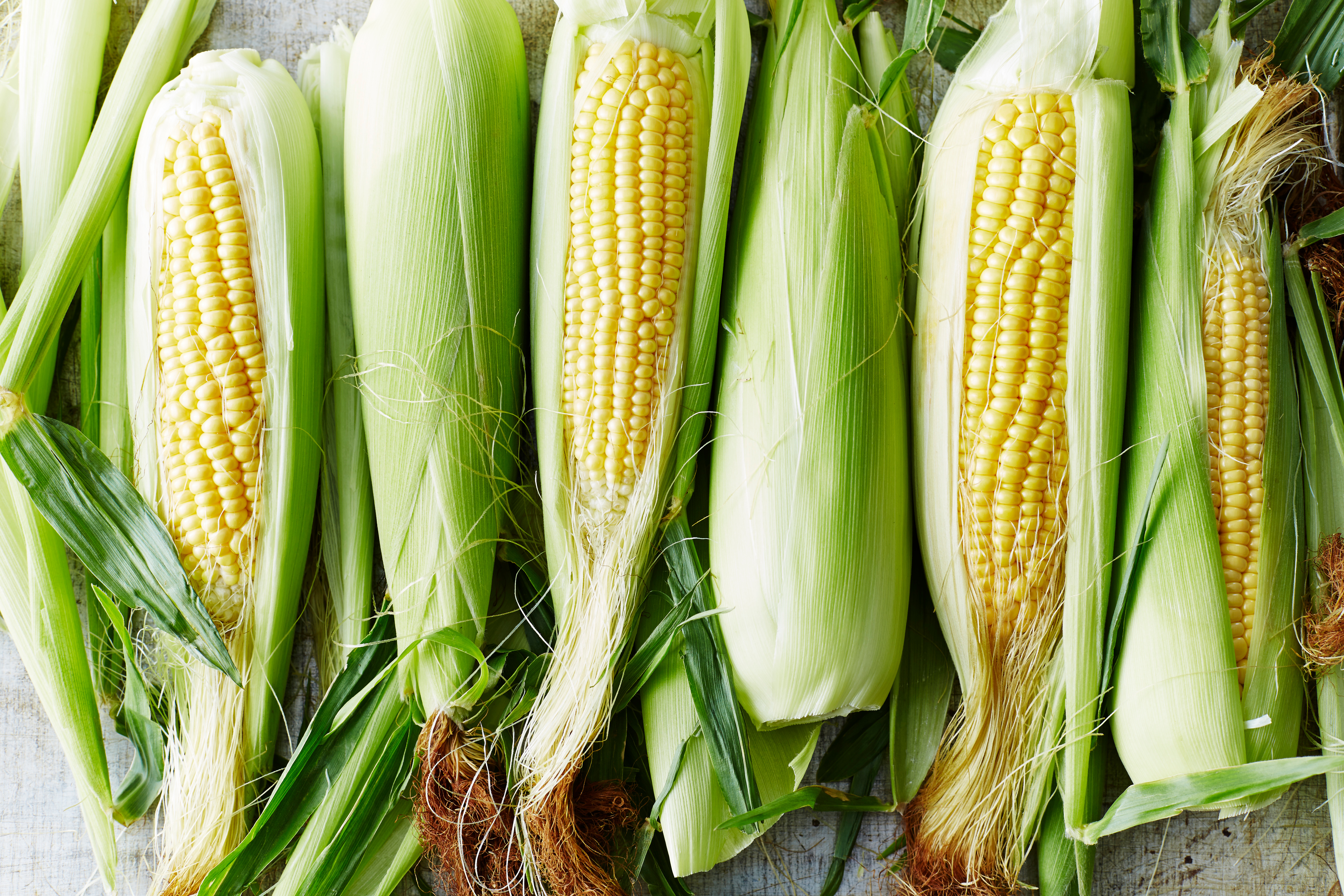How To Microwave Corn On The Cob So It