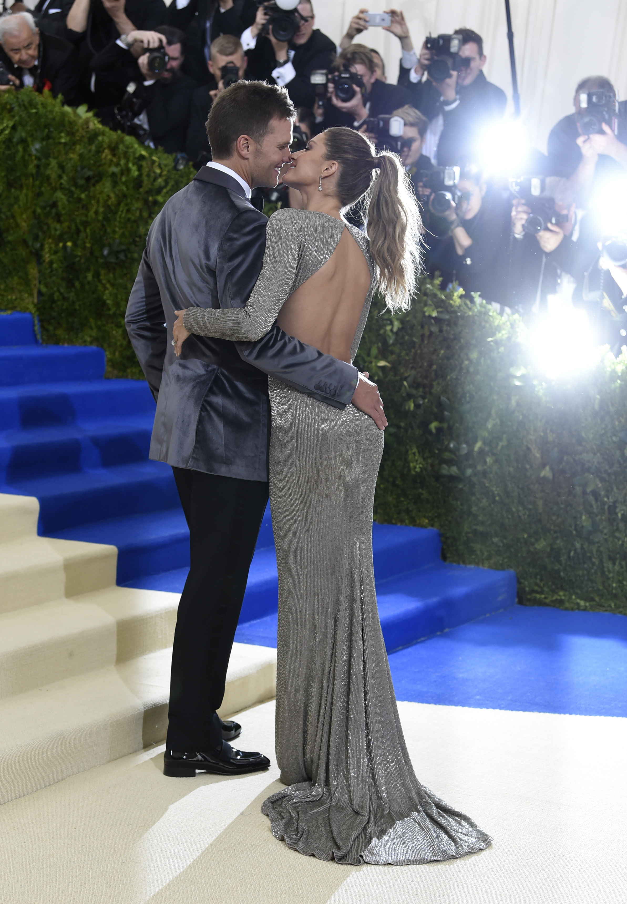 Tom Brady, left, and Gisele Bündchen attend The Metropolitan Museum of Art's Costume Institute benefit gala celebrating the opening of the Rei Kawakubo/Comme des Garçons: Art of the In-Between exhibition on Monday, May 1, 2017, in New York. (Photo by Evan Agostini/Invision/AP)