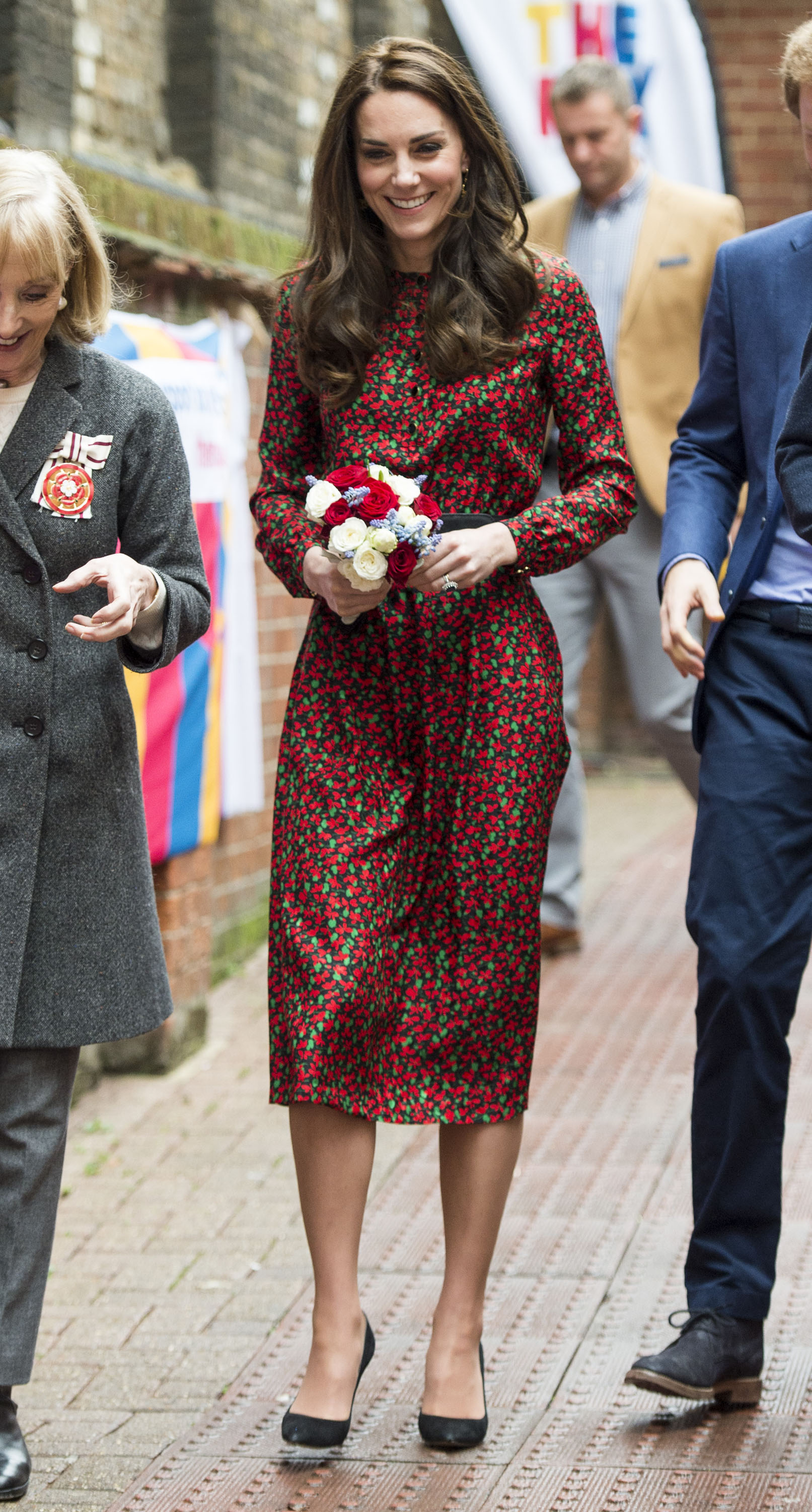 LONDON, ENGLAND - DECEMBER 19:  Catherine, Duchess of Cambridge attends a Christmas party for volunteers at The Mix youth service on December 19, 2016 in London, England.  The Mix youth service works with Their Royal Highnesses' Heads Together Campaign.  (Photo by Mark Cuthbert/UK Press via Getty Images)