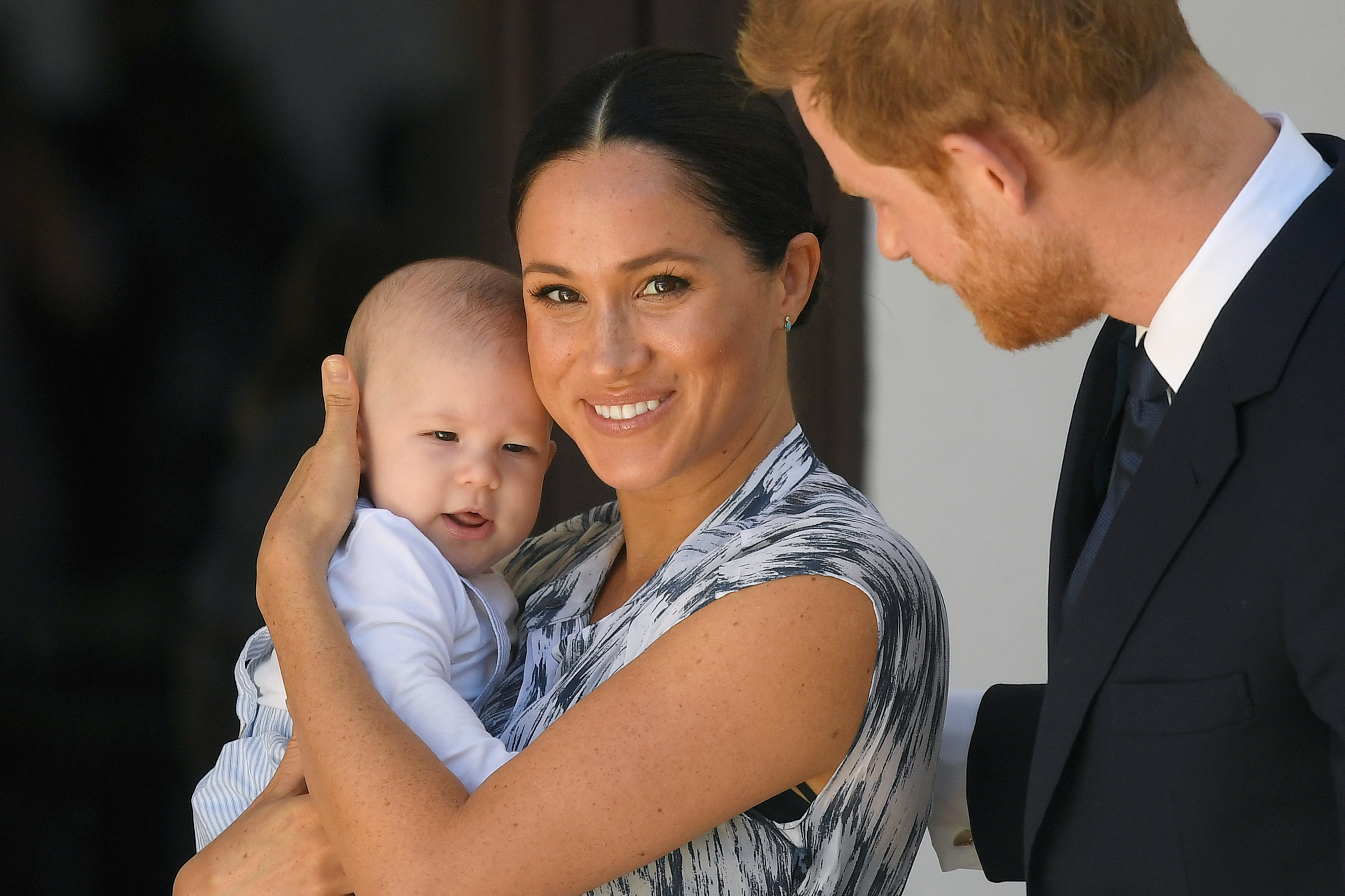 CAPE TOWN, SOUTH AFRICA - SEPTEMBER 25: Prince Harry, Duke of Sussex and Meghan, Duchess of Sussex and their baby son Archie Mountbatten-Windsor at a meeting with Archbishop Desmond Tutu at the Desmond & Leah Tutu Legacy Foundation during their royal tour of South Africa on September 25, 2019 in Cape Town, South Africa. (Photo by Toby Melville - Pool/Getty Images)