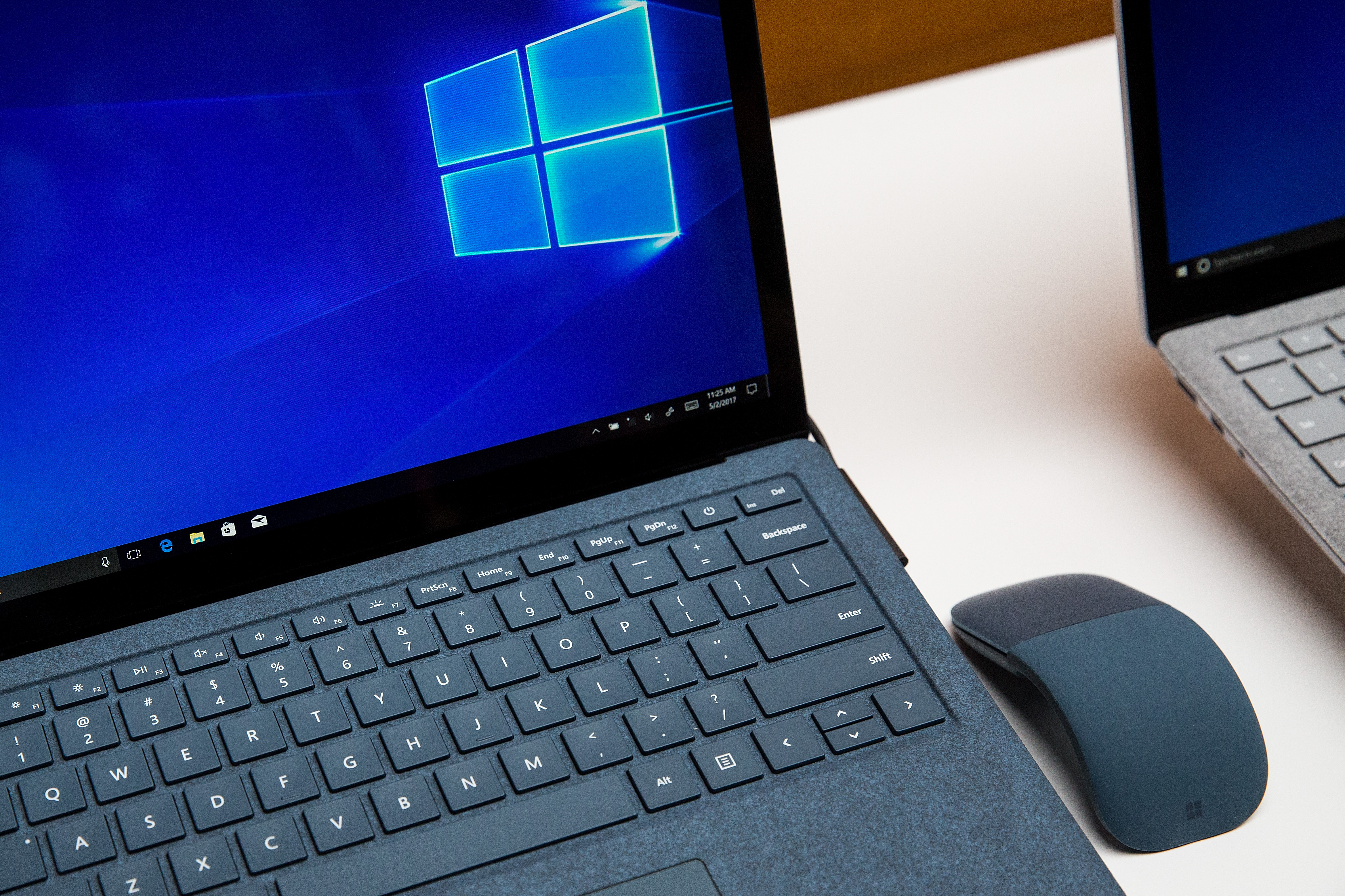 Windows 10 is installing Office web apps without asking permission