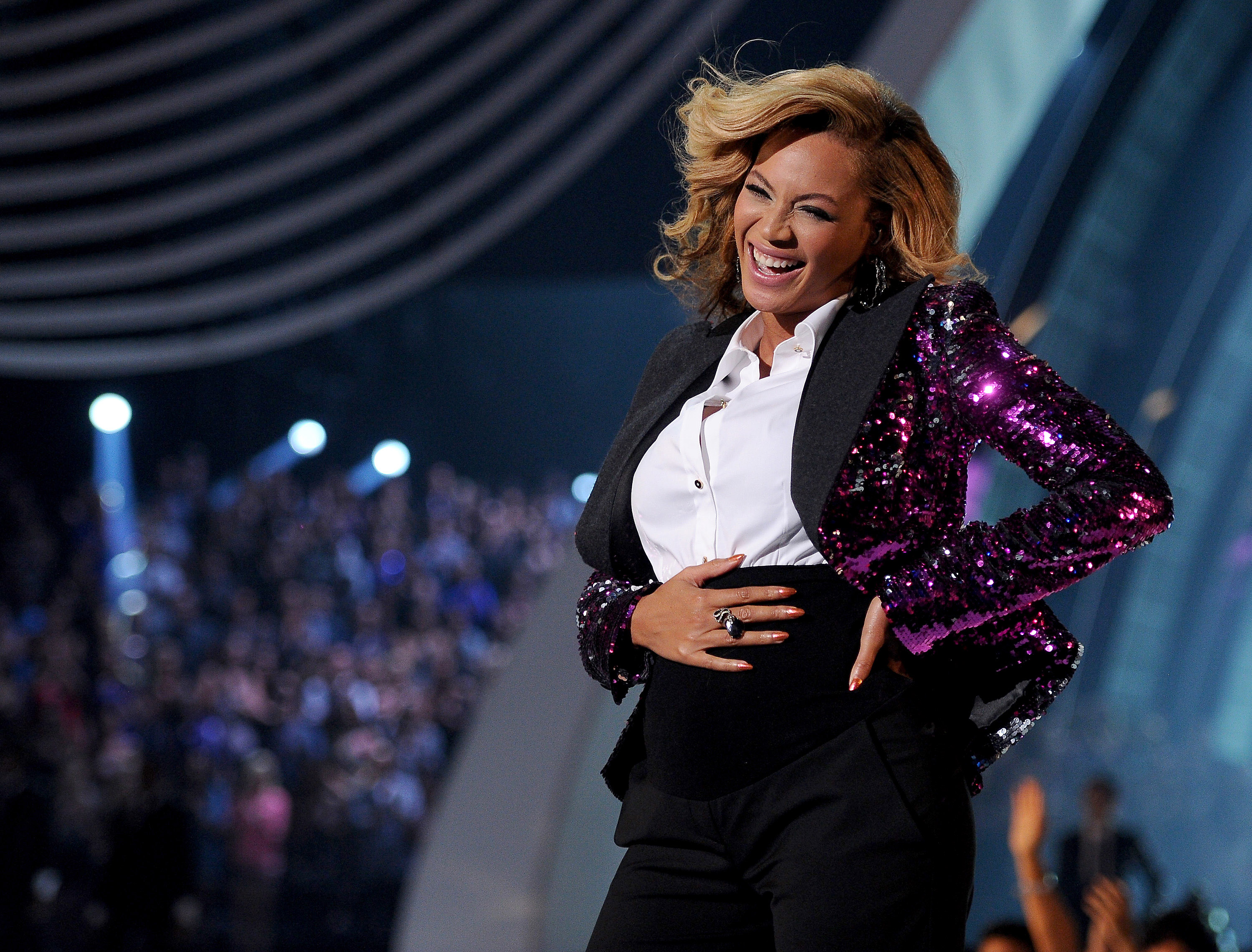 Beyoncé announces first pregnancy
