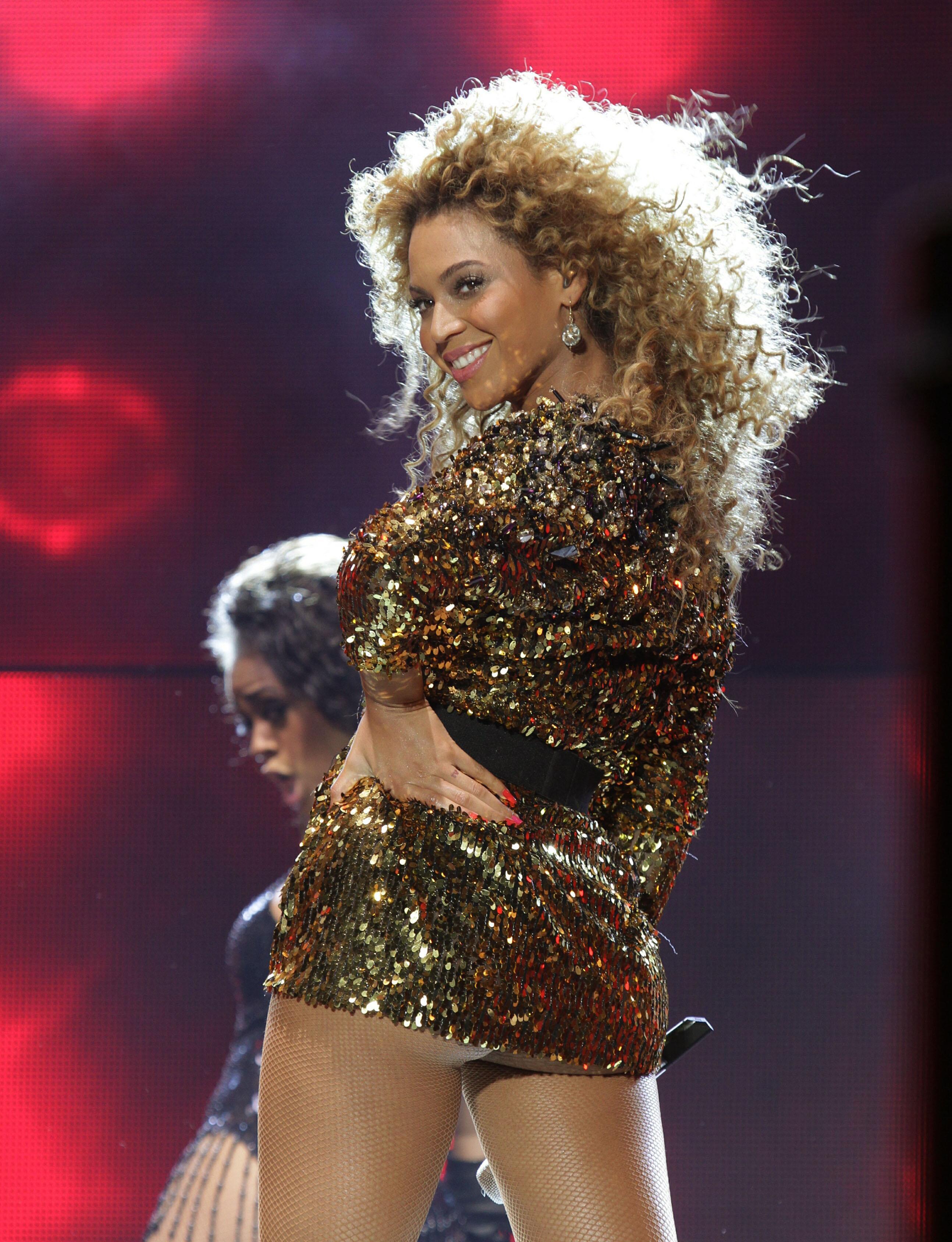 Beyoncé makes history at Glastonbury